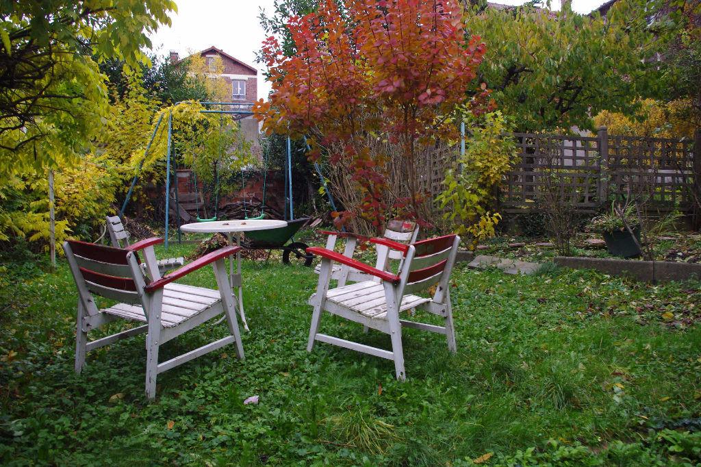 a vendre maison fontenay sous bois 100 m l 39 adresse fontenay. Black Bedroom Furniture Sets. Home Design Ideas